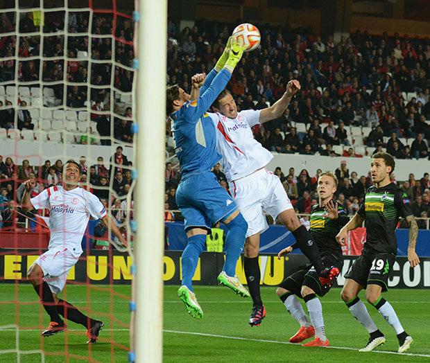 DN127_0964 Krychowiak Sevilla-Borussia QPV feb15