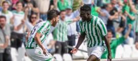 Dani Ceballos y N'Diaye gol alegría Betis Foto: José Emilio Gómez