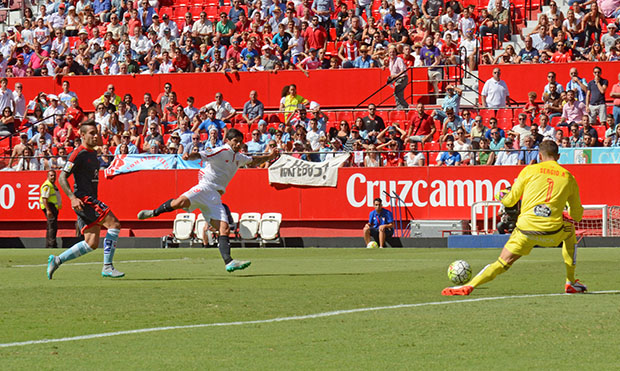 DN129_1654 Banega Sevilla-Celta QPV sep15