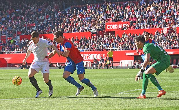 DN131_1102 Gameiro Sevilla-Levante QPV ene16