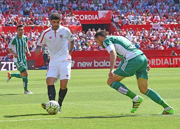 DN132_0395 Banega Sevilla-Betis QPV abr16