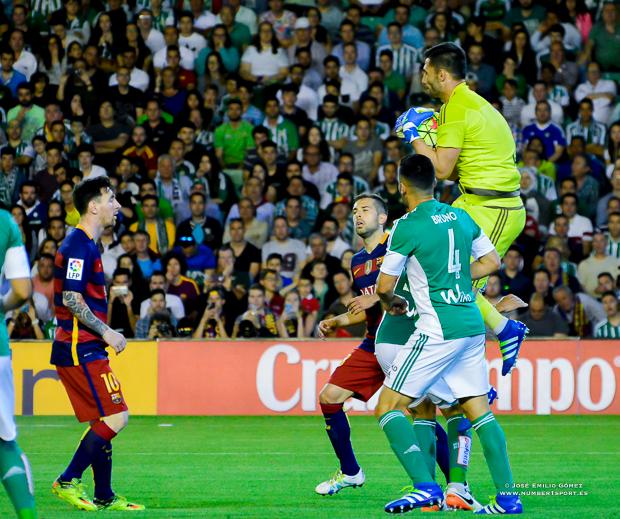 Adan Betis-Barcelona-3