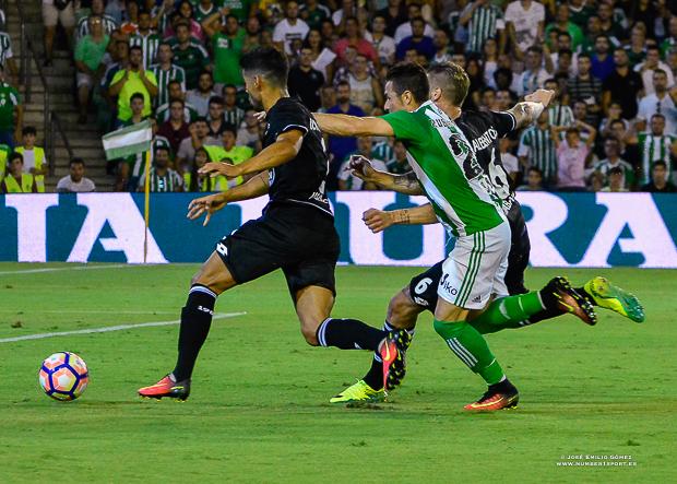 Ruben Castro Betis-Deportivo-2
