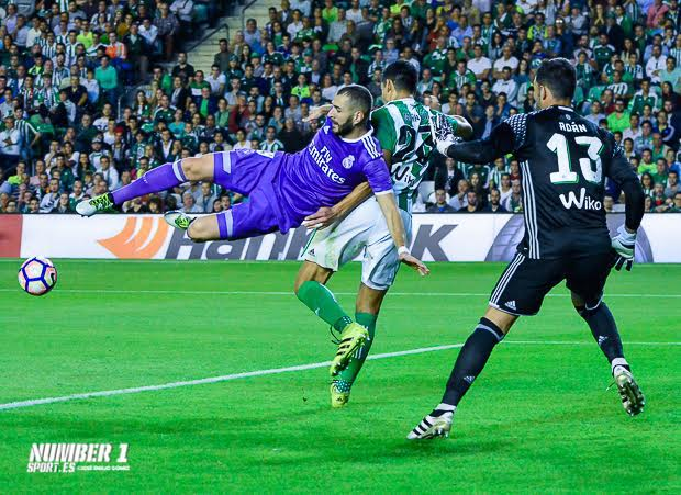 BENZEMÁ Y ADÁN REAL BETIS REAL MADRID JEG