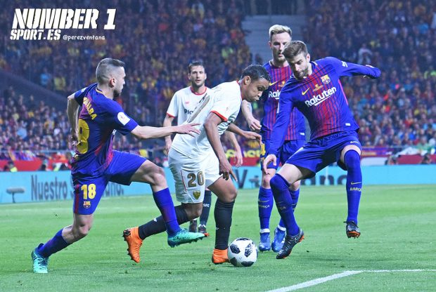 El Sevilla FC visita el Camp Nou tras dos semanas como líder de la Liga  Santander. El Barcelona dc43826c734